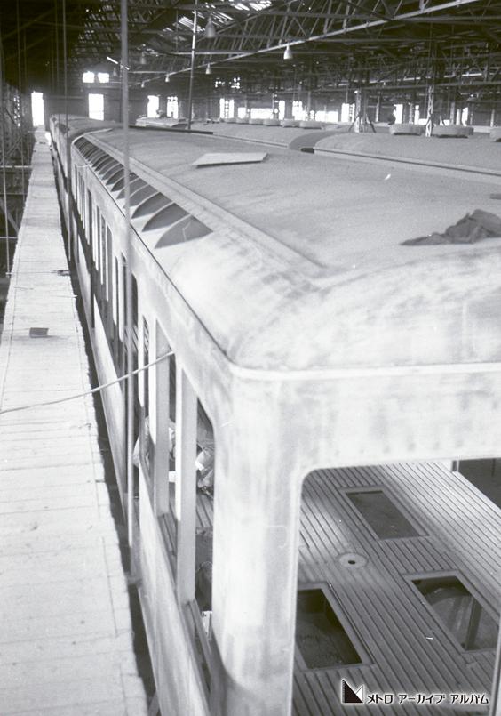 製作中の電車