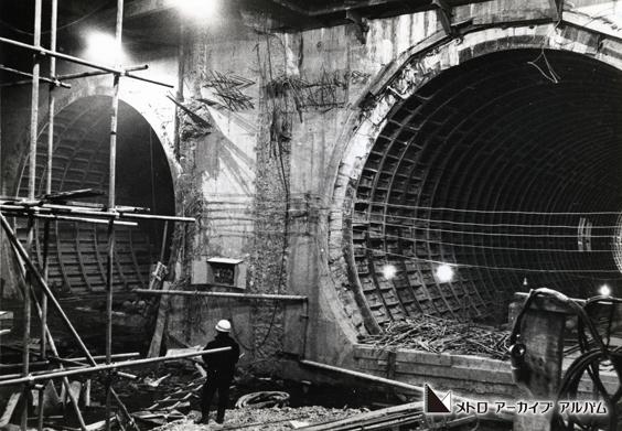 木場駅始端部立坑から見た駅部シールドトンネル