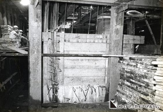 日比谷駅の路下式潜函工事