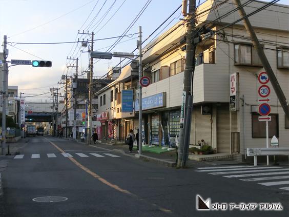 駅前通りの風景