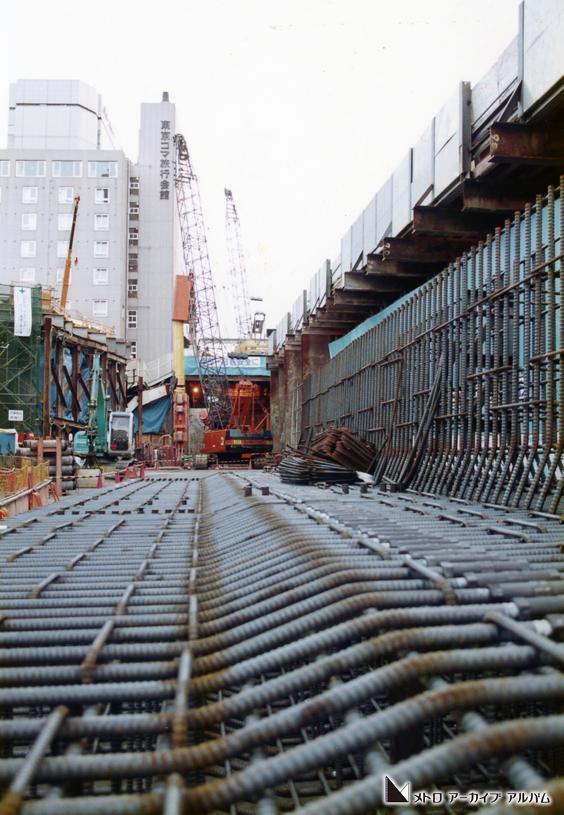 六本木一丁目駅付近の工事