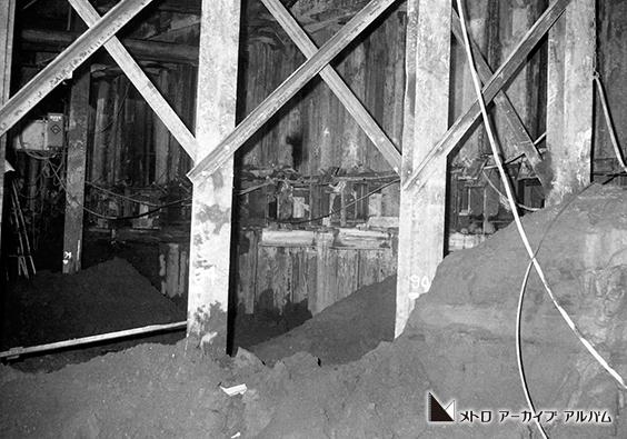 開削工法による駅施設工事