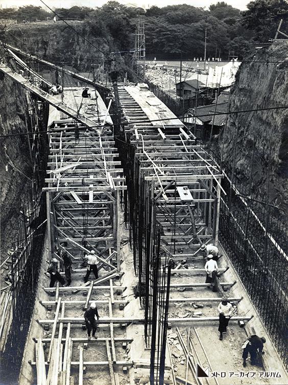 安藤坂付近のトンネル工事