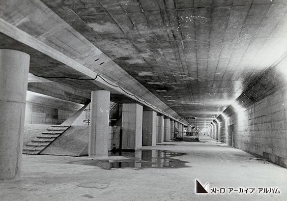 半蔵門線 土木工事が完了した半蔵門駅コンコース