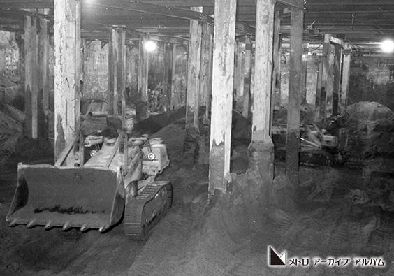 半蔵門線永田町駅立坑部の機械掘削工事